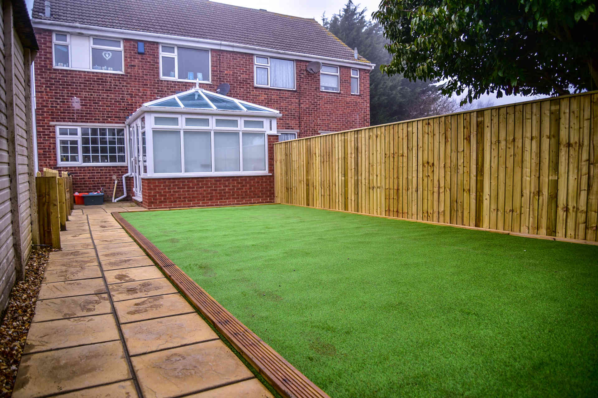 Your Yard's Best Fence, What is it?