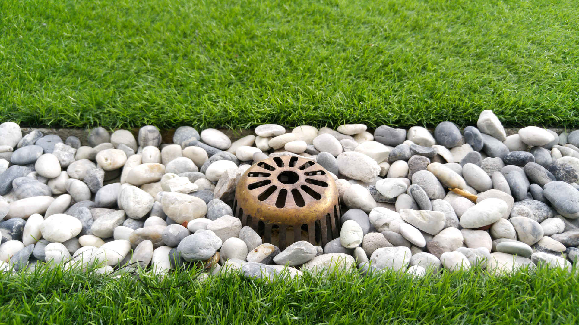 4 Ways to Prevent Water Runoff